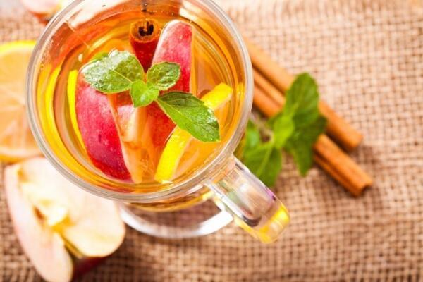 Картинки по запросу чай с яблоком и корицей