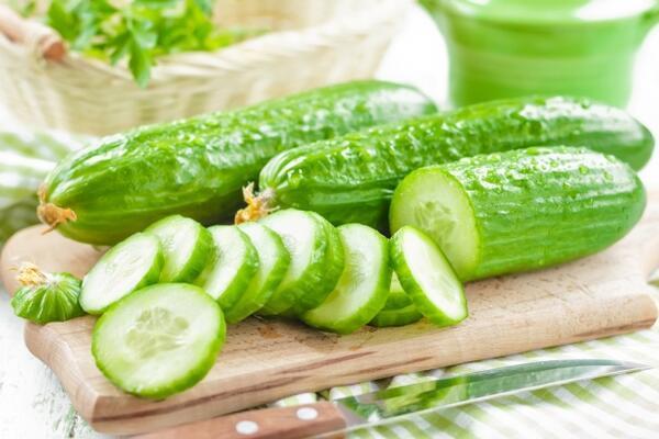 Salatalık - 100 gramı 15 kalori