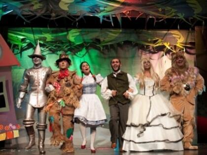 Oz Büyücüsü'nün Maceraları