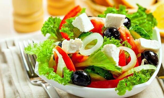 Salata zayıflatmıyor!