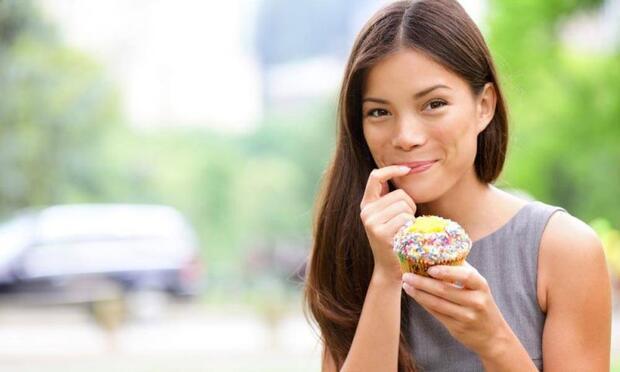 Düzensiz beslenme dişlerinizi nasıl etkiliyor?