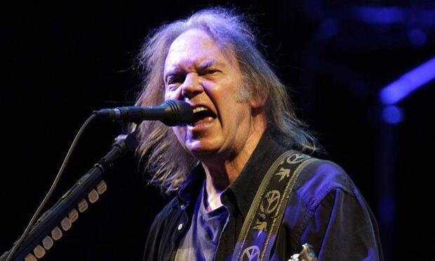 Rock müzik efsanesi Neil Young İstanbul'da!