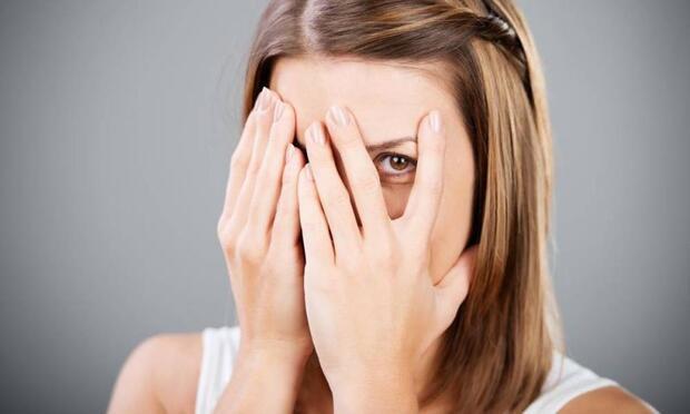 Başkalarının önünde konuşmaktan çekiniyor musunuz?