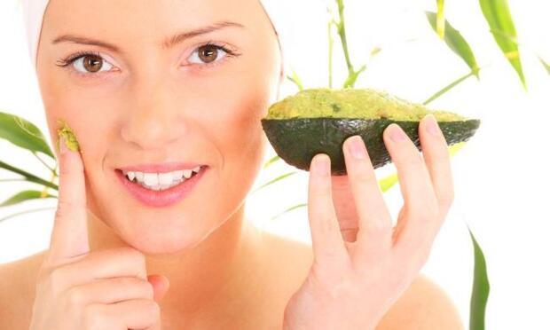 15 dakikada kuru cildiniz canlanacak