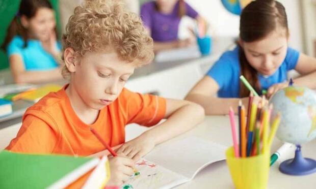 Çocuğunuzu okula gitmesi için cesaretlendirin