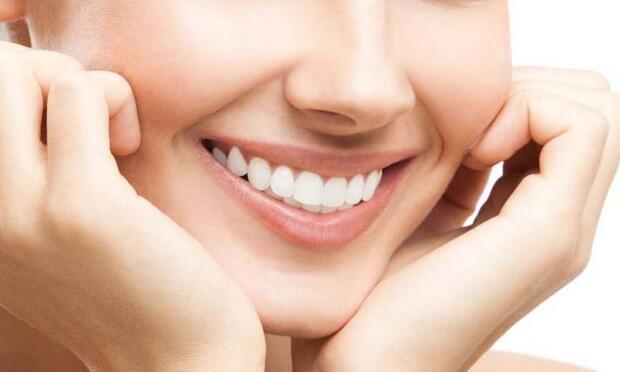 Dişleriniz gülümsemenize mi engel oluyor?