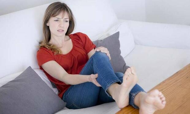 Geçmeyen bacak ağrısının nedenleri nelerdir?
