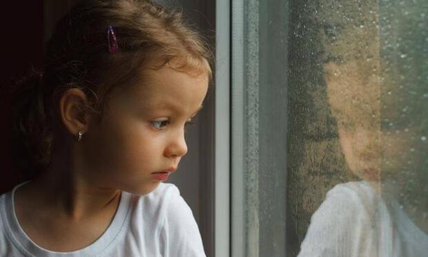 Çocuğunuzu korumak isterken onu korkak biri yapmayın!