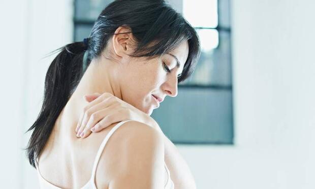 Omuz ağrılarınızın iki sebebi olabilir!