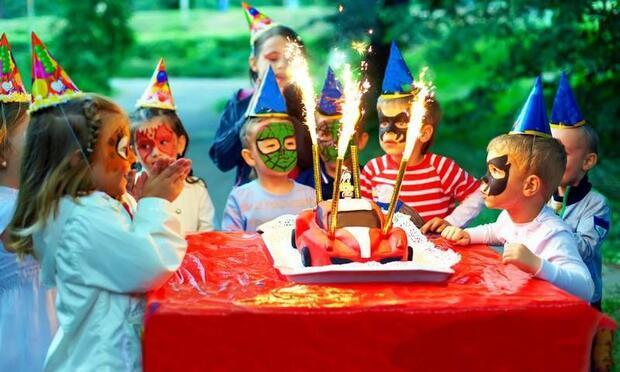 8 yaş için doğum günü pastaları