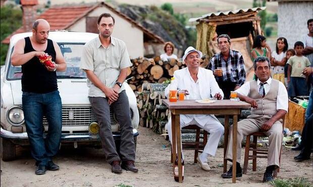"""Ali Atay'ın yönettiği """"Limonata"""" vizyonda!"""