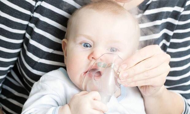Annedeki depresyon bebekte astımı tetikliyor