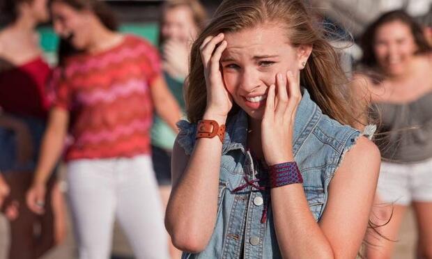 Ergenlik döneminde utangaçlık nasıl aşılır?