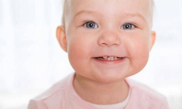 Bebeklerde Diş Çıkarma Sürecinde Ebeveynler Nelere Dikkat Etmelidir