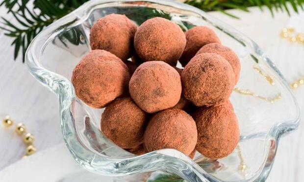 Çocuklar için sağlıklı çikolata topları!