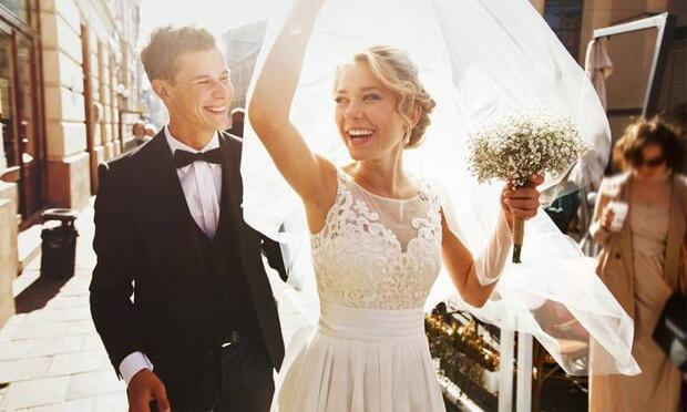 Evlilik aşkı güçlendiriyor!