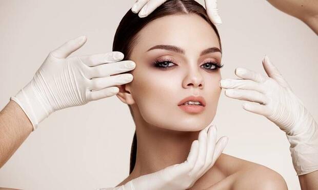 En moda yüz gençleştirme ameliyatları