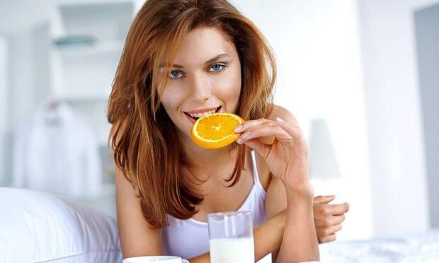 Portakalın suyunu içmeyin, kendisini tüketin!