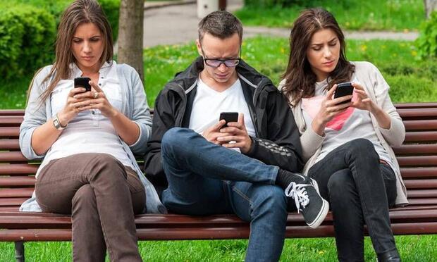Sosyal medya kişilik bozukluklarına yol açabiliyor!