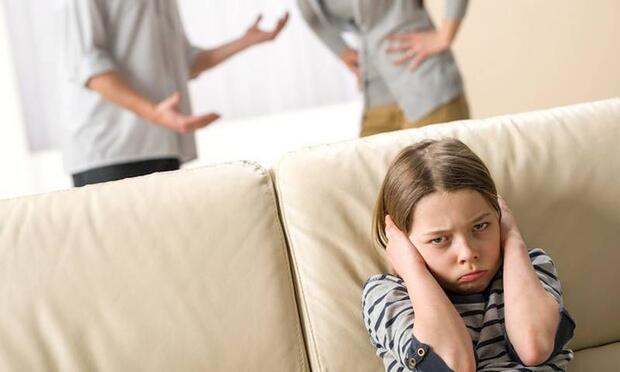 Çocuklarınızdan değil birbirinizden boşanın!