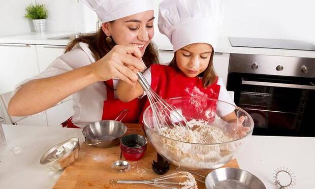 Çocuğunuz için sağlıklı çikolata topları tarifi