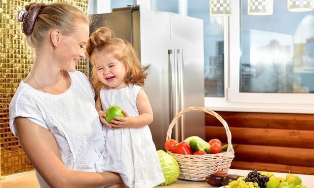 Çocuklara sevmedikleri yiyecekleri yedirmenin 4 yolu
