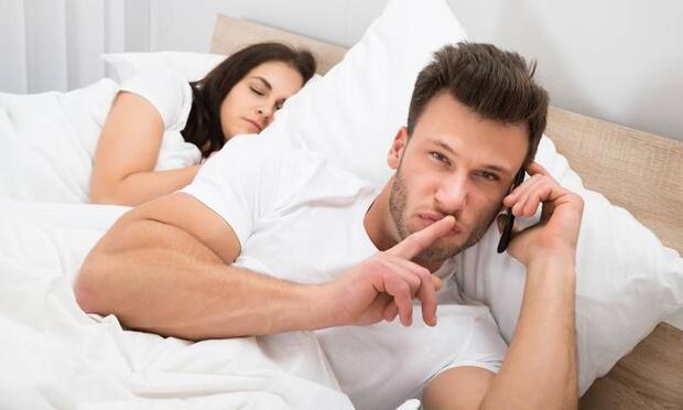 Erkekler cinsel sebeplerden mi aldatır?