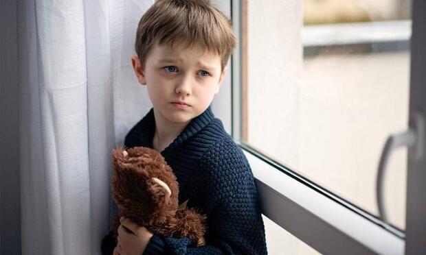 Çocuk ve ergenlerde görülen güvercin göğüs nedir?