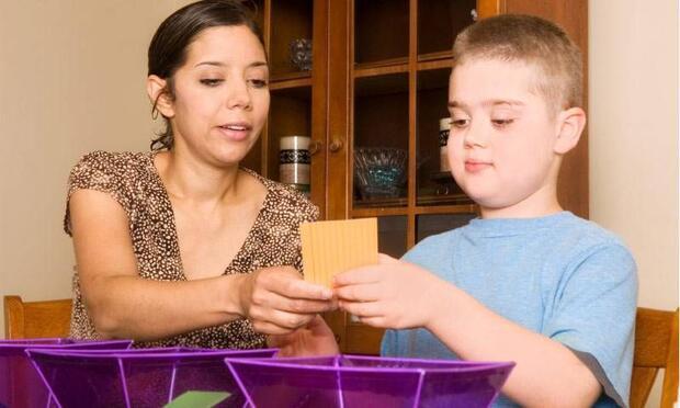Otizmli çocuklarda konuşma terapisi nasıldır?