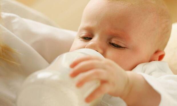 Bebeklerde biberon çürüğüne dikkat!