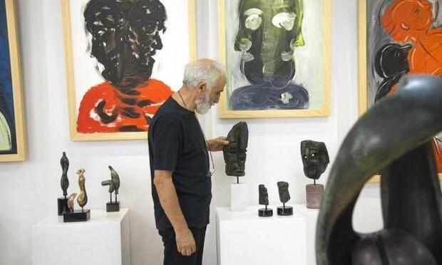 Abdülkadir Öztürk'ün tüm eserleri Neva Art Gallery'de