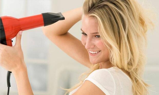 Saçlarınıza asla yapmamanız gereken 12 işlem