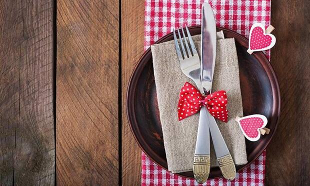 Sevgililer Günü'nde ev partisi için hazırlık zamanı!