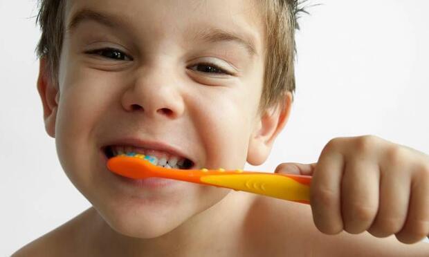 3 yaşından önce diş macunu yasak!
