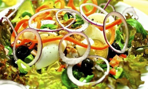 Salata yiyerek zayıflayabilir miyiz?