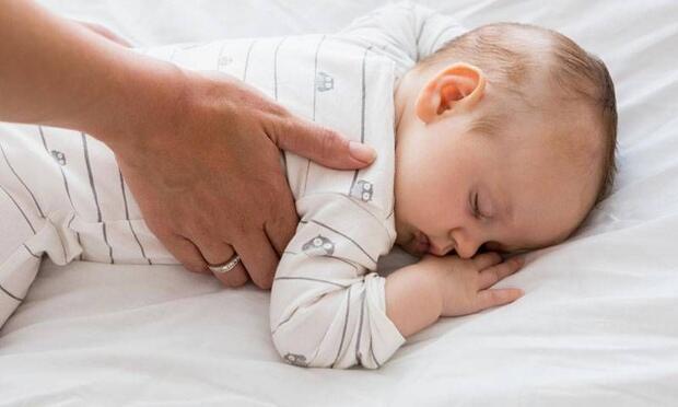 Bebeklerde uyku eğitimi nasıl olmalı?