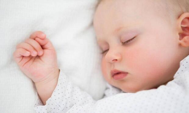 Bebeklerde uyku düzeni nasıl oluşur?
