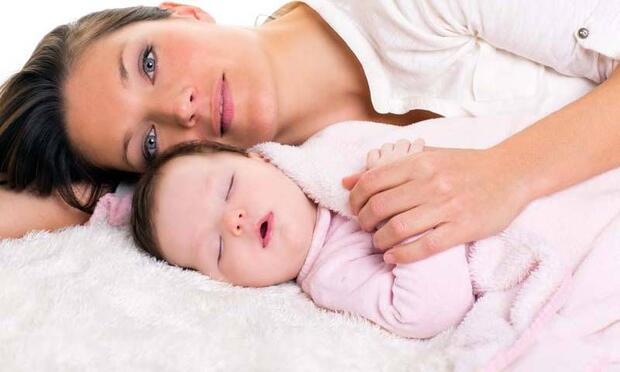 Bebeğim benimle uyumak istiyor!