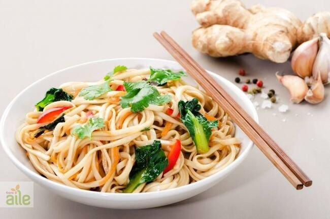 Soya soslu sebzeli erişte tarifi