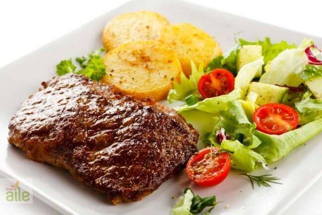 Fırında sebzeli biftek ve meksika fasulyesi tarifi