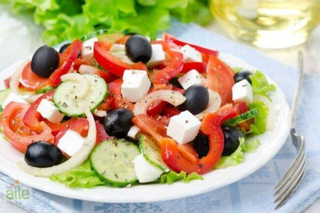 Keçi peynirli salata tarifi