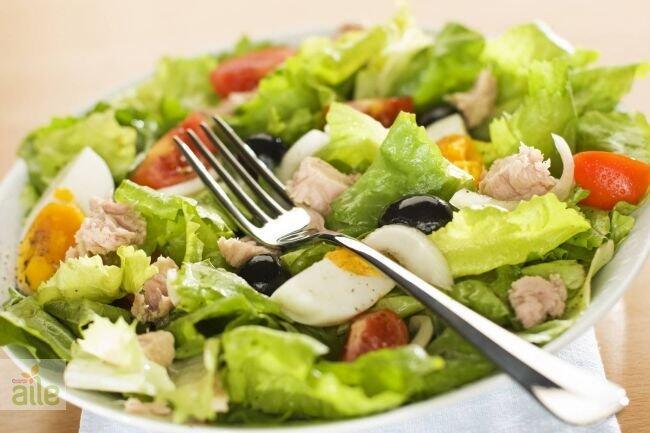 Nisuaz salatası tarifi