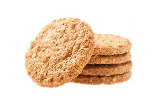 Kepekli ve fındıklı bisküvi tarifi