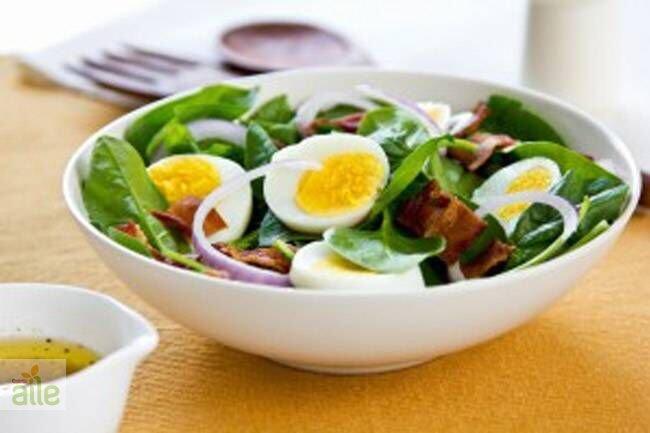 Pastırmalı ıspanak salatası tarifi