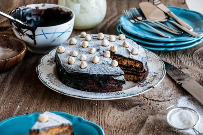 Çikolatalı fındıklı unsuz kek tarifi