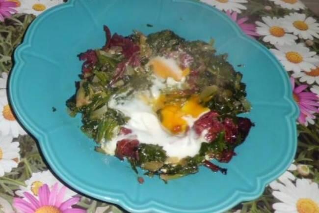 Ispanaklı pastırmalı yumurta tarifi