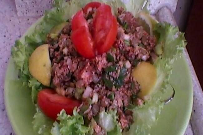 Yeşil mercimekli bulgur salatası