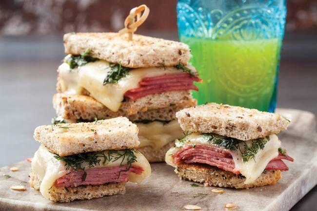 Dana jambonlu sıcak sandviç tarifi