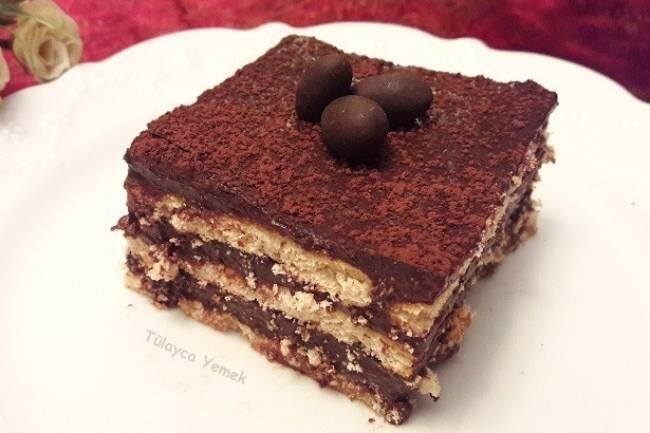Çikolatalı kolay bisküvi pastası tarifi