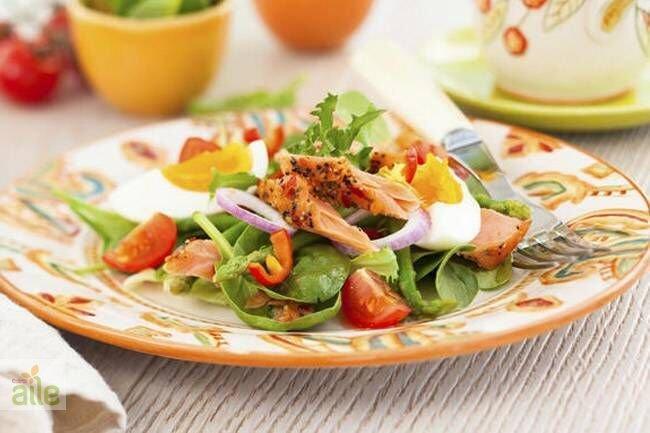 Somon balığı salatası tarifi